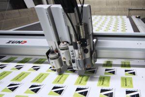 découpe zund cutter g3 xl stickers autocollants communication publicité fraisage fraiseuse