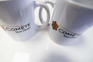 mugs objets publicitaires veuve clicquot champagne VCP impression communication