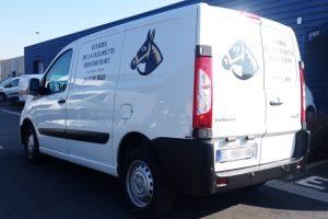marquage véhicule utilitaire écuries cheval communication publicité