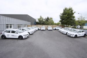 marquage véhicule onze voitures native immobilier reims adhésif communication publicité