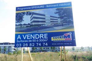 panneau grand format 3x2m cotrim2 europe immobilier d'entreprise communication signalétique publicité